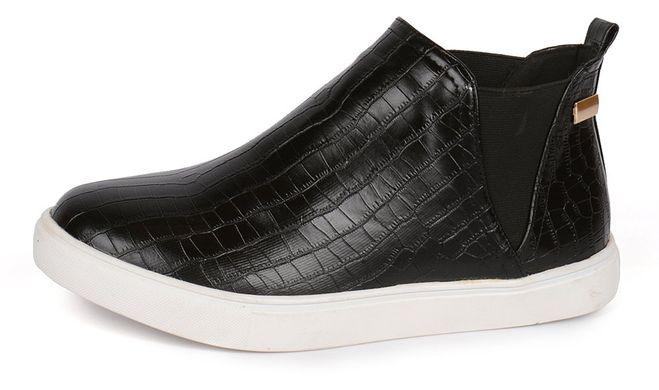 КупитиЧеревики сліпони жіночі чорні на білій підошві з текстурою рептилії  HKR Original фото f9268e8b7da4f