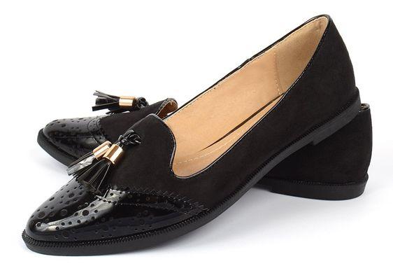 КупитиТуфлі жіночі лофери чорні з пензликами лаковий носок Victoria фото 190482db1fbf1